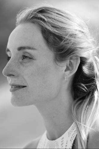 Helen Vine Profile B+W